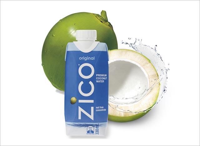 자연 그대로의 코코넛 워터