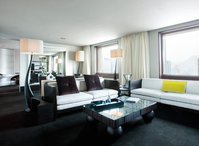 호텔의 미학, 더 플라자