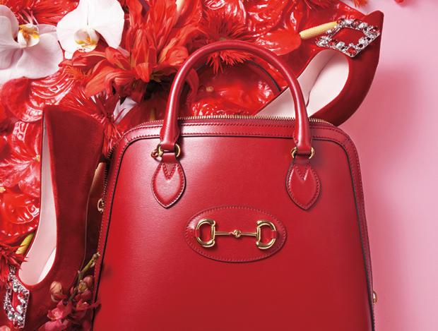 로맨틱한 디자인의 백&슈즈.