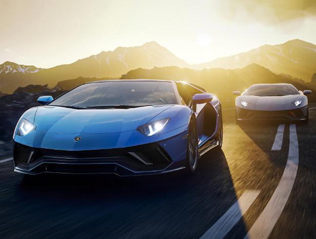 성능과 우아함을 모두 갖춘 4대의 자동차