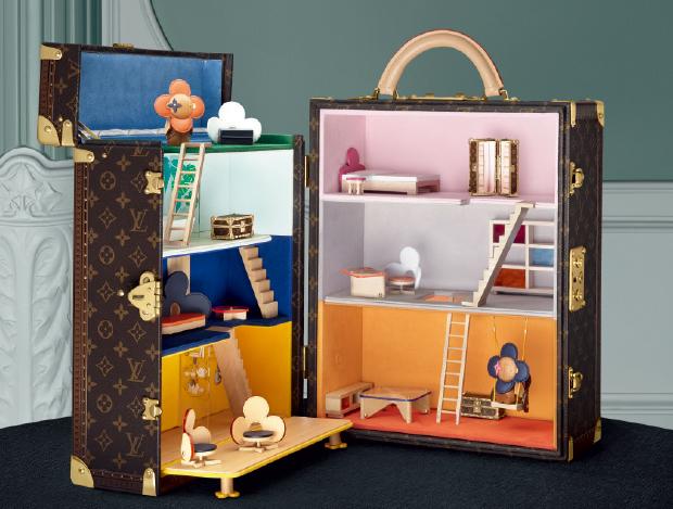 명품 하우스의 어른이를 위한 장난감