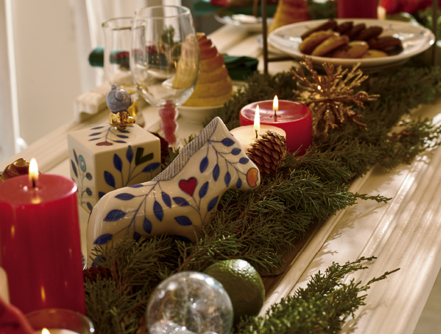 크리스마스 추억이 깃든 세 작가의 테이블