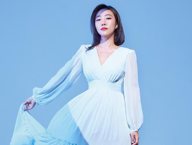 해외에서 먼저 더 주목받은 패션 디자이너 유나양