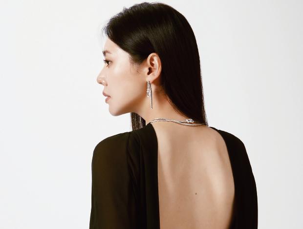 여기, 배우 추자현