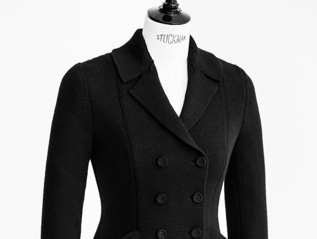 니트 패브릭으로 재탄생한 바 재킷